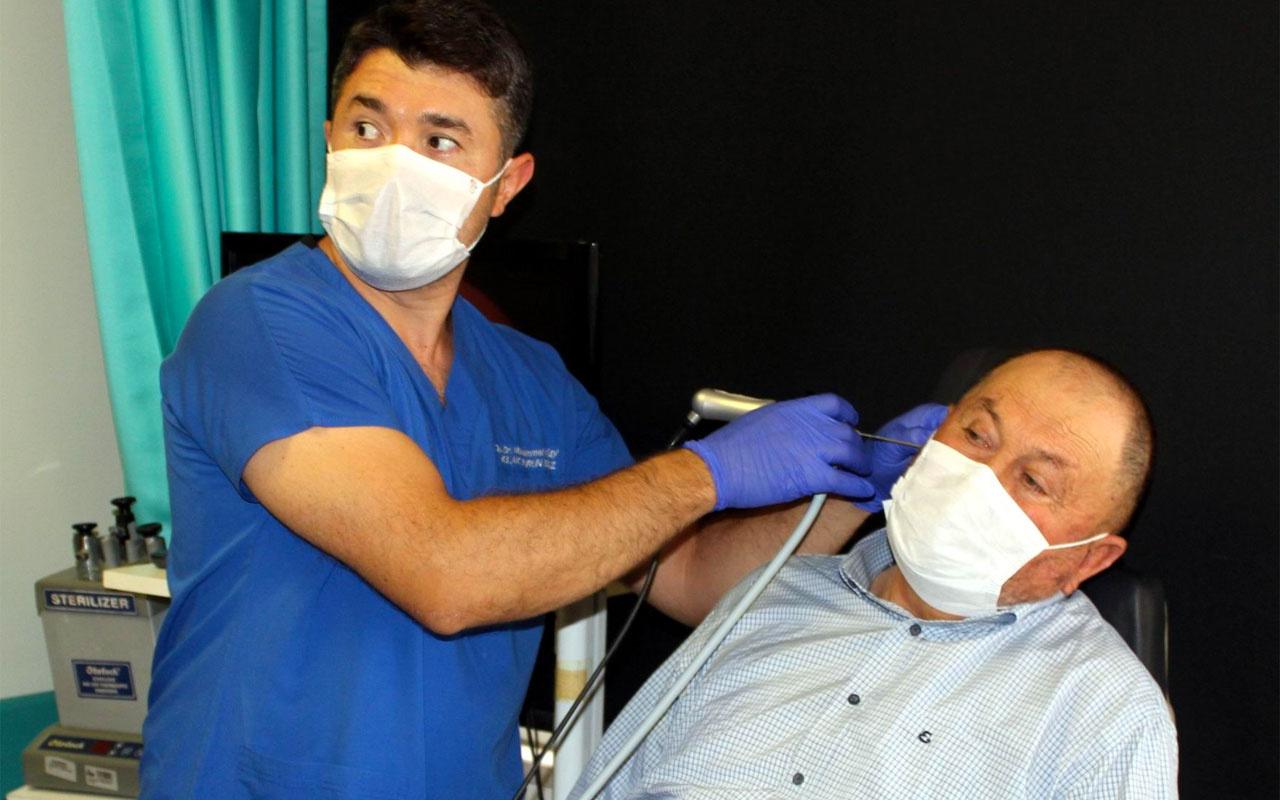 Manisa'da doktor hastanın kulağından canlı çıkardı