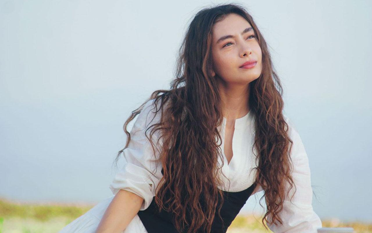 Star TV Sefirin Kızı yıldızı Neslihan Atagül'e bomba teklif Neslican Tay'ı canlandıracak