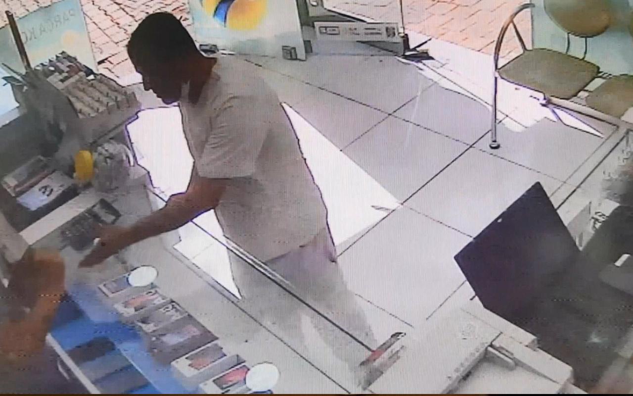 Fatih'te telefoncuların kabusu olan hırsız hep aynı yöntemi kullanıyor
