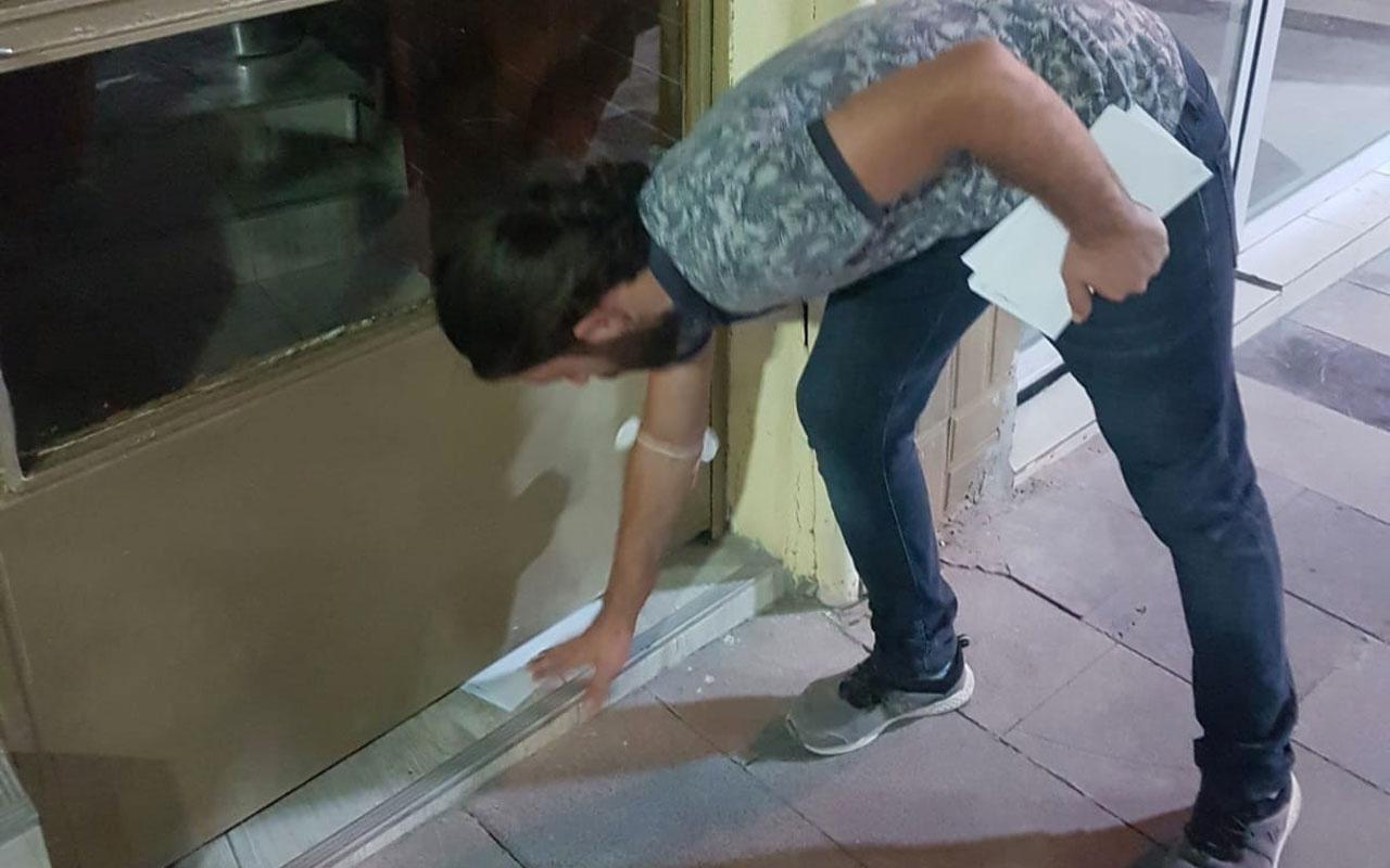 Manisa Ülkü Ocakları sabah namazı sonrası esnafı kapı kapı gezip zarf içinde para bıraktı