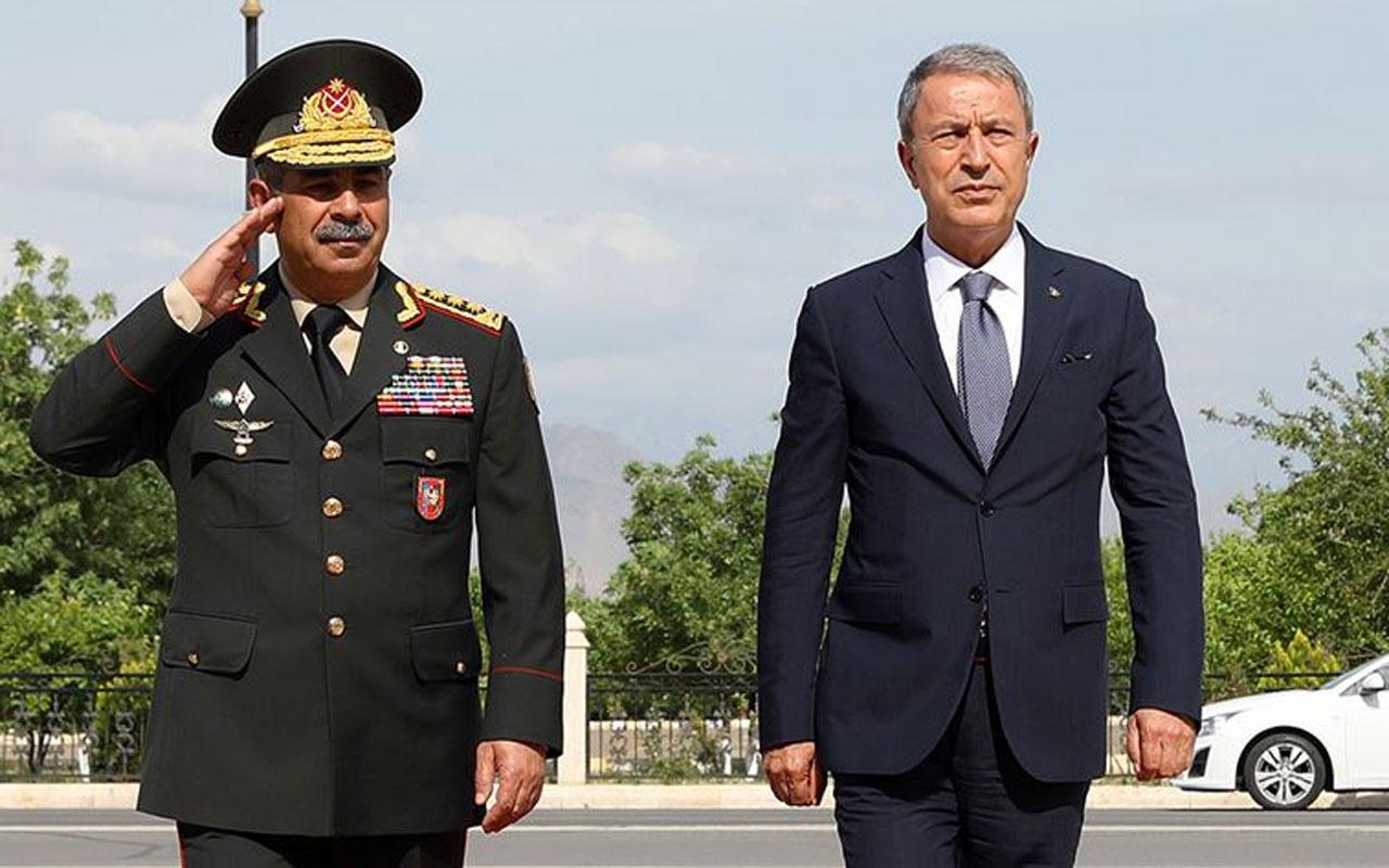 Milli Savunma Bakanı Akar, Azerbaycan Savunma Bakanı ile telefonda görüştü