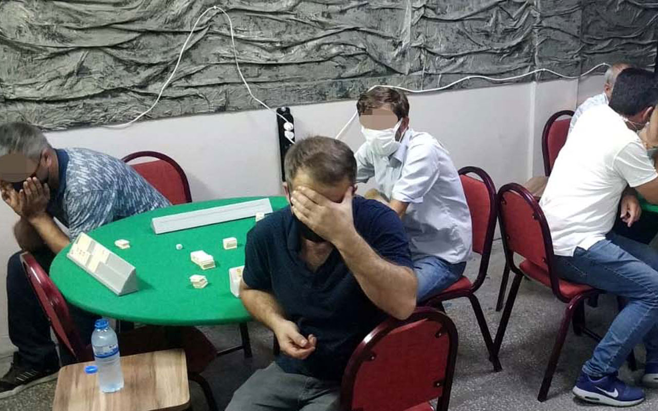Kayseri'de koronavirüs temaslısı kahvede kumar oynarken yakalandı