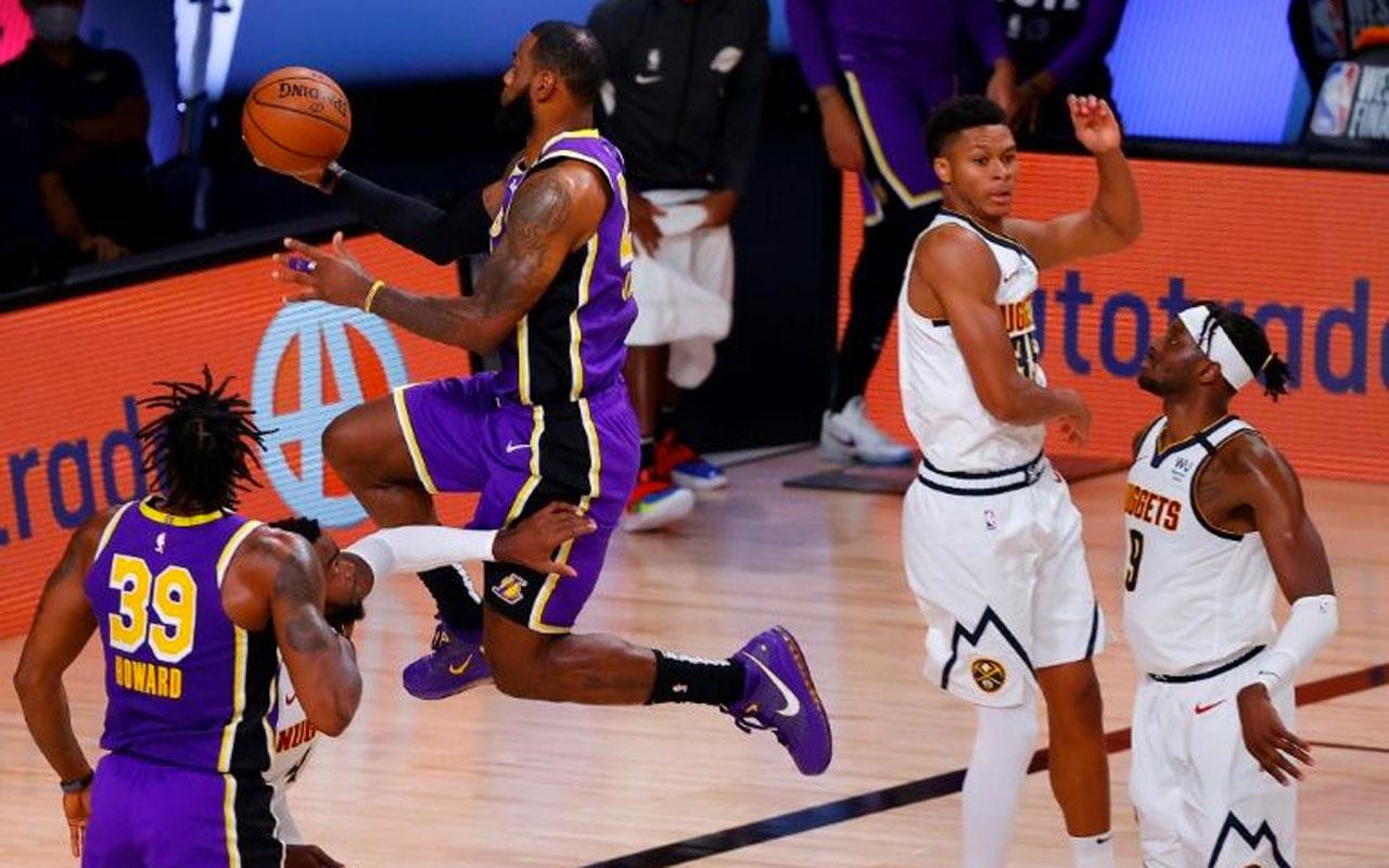 NBA finaline yükselen Los Angeles Lakers'da LeBron James yıldızlaştı