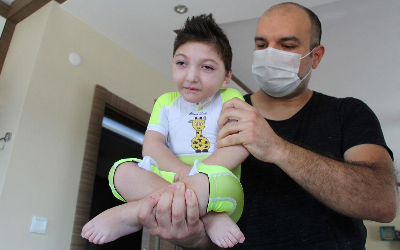 Doktorlar 'Üç ay yaşar' dedi 2,5 yaşında ayaklandı