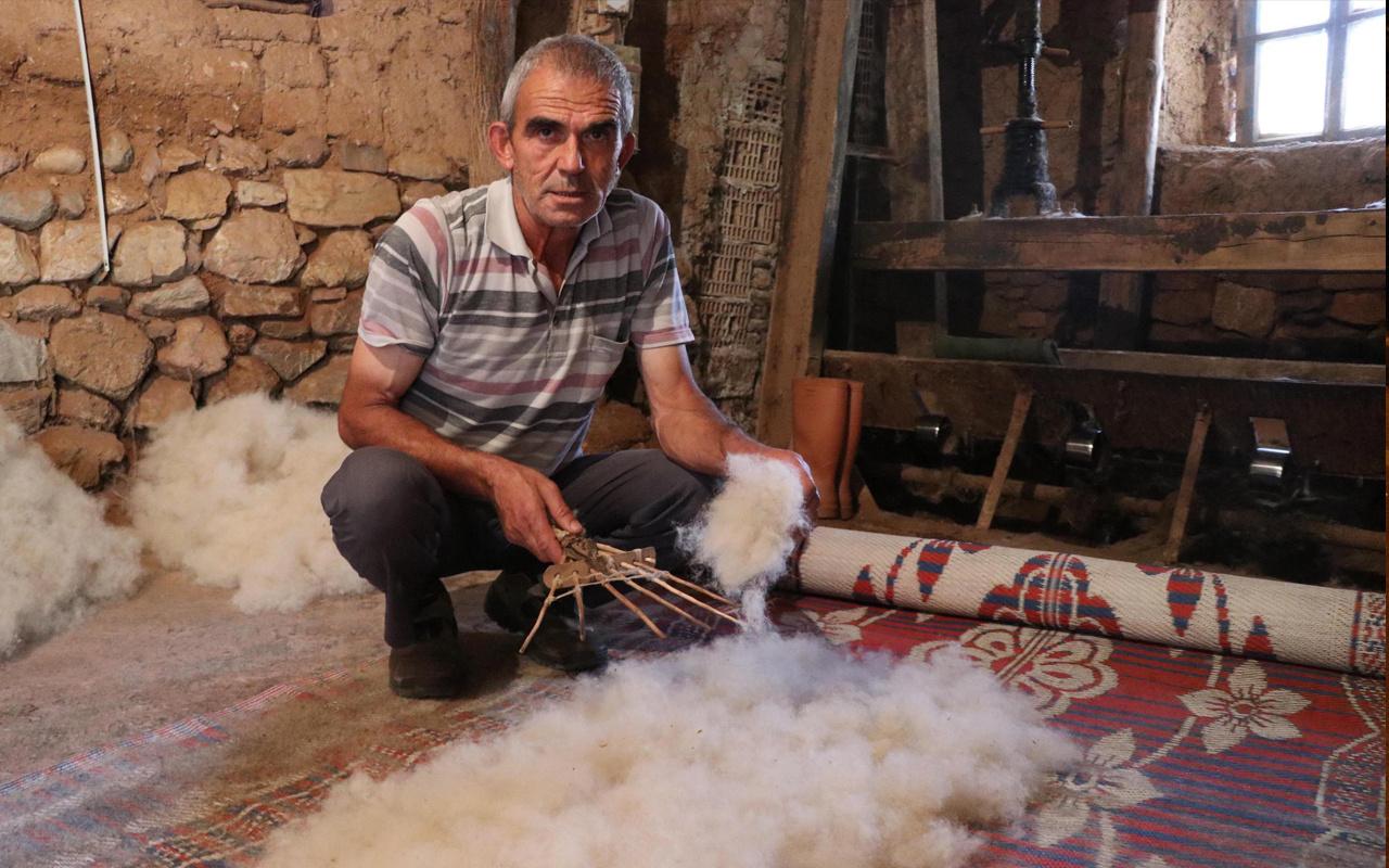 Denizli'de atalarından miras mesleği evde yapıyor! Tanesini 300 liradan satıyor