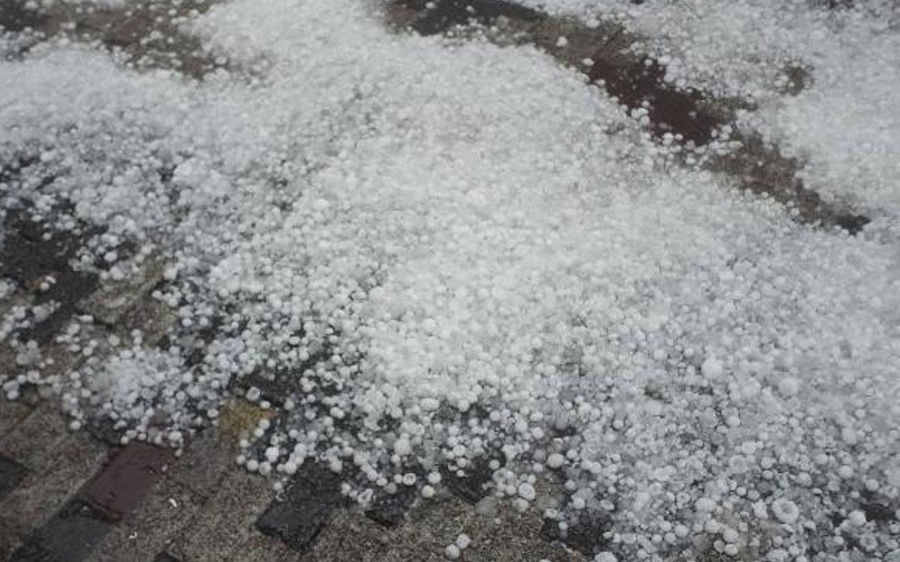 Dolu ve sağanak yağış hayatı felç etti! İstanbul Valiliği saat verip uyardı