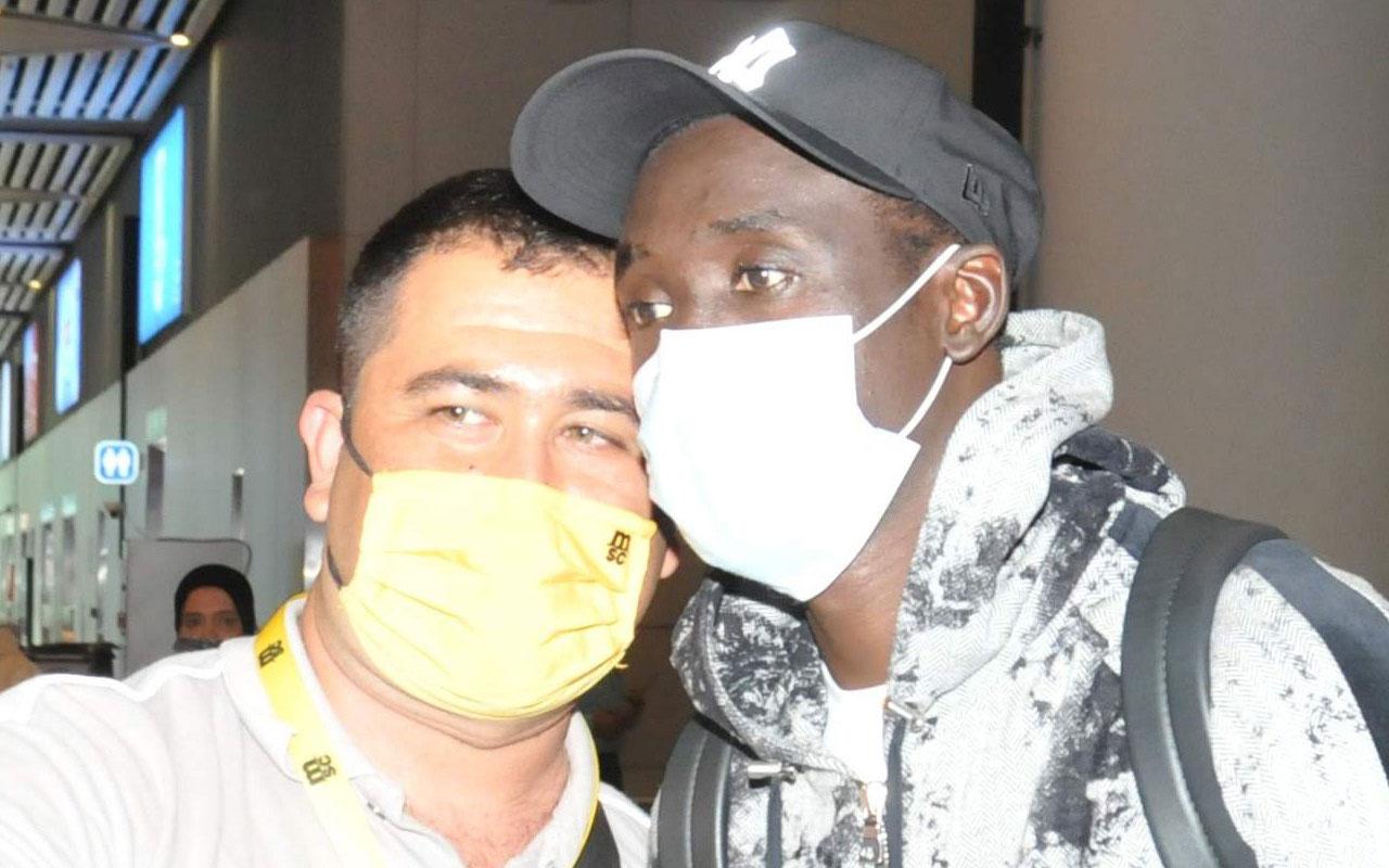 Papiss Cisse, Fenerbahçe için İstanbul'a geldi