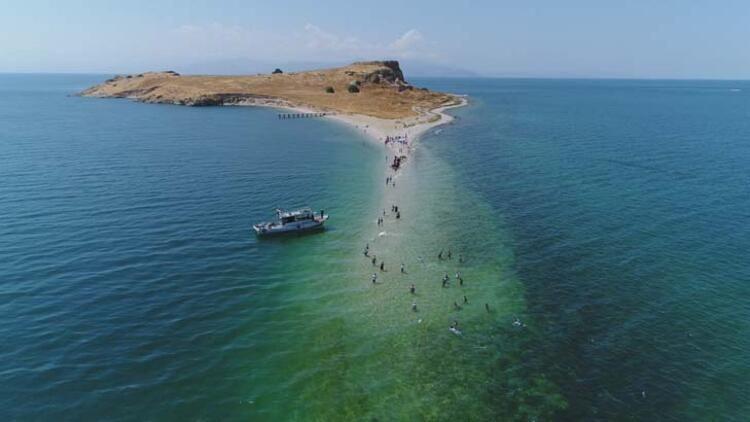 Van'da bulunuyor! Türkiye'nin gizli cennetini görenler hayran kalıyor