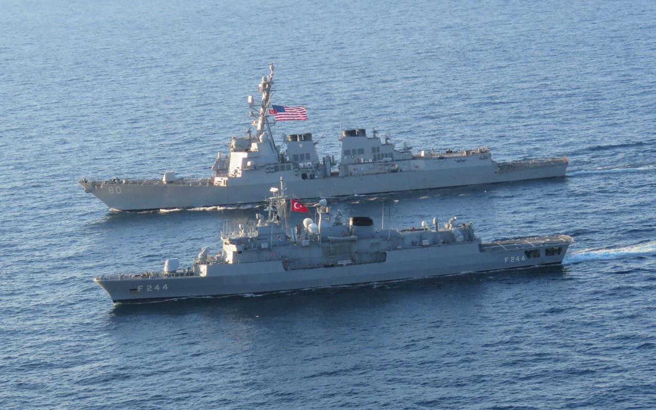 TCG Barbaros fırkateyni ABD destroyeriyle Karadeniz'de geçiş eğitimi yaptı