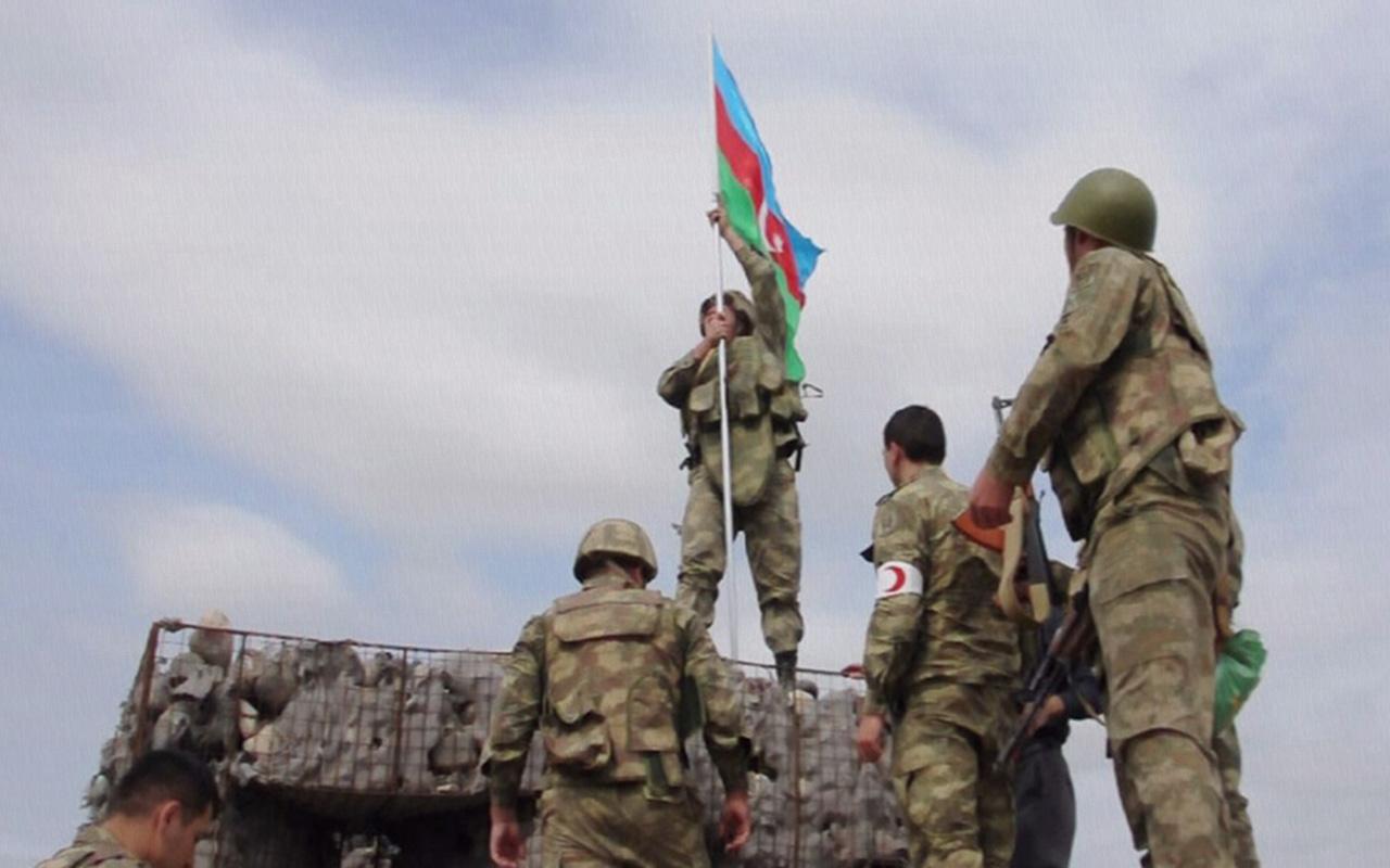 Mübariz İbrahimov'un şehit olduğu karakola Azerbaycan bayrağı çekildi