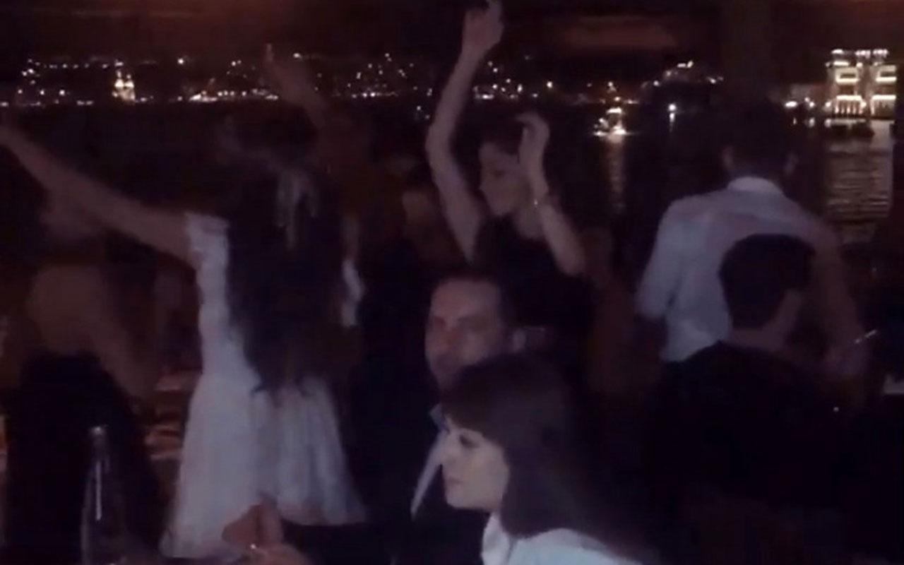 Bebek'teki ünlü işletmede kuralsız doğum günü partisi kamerada