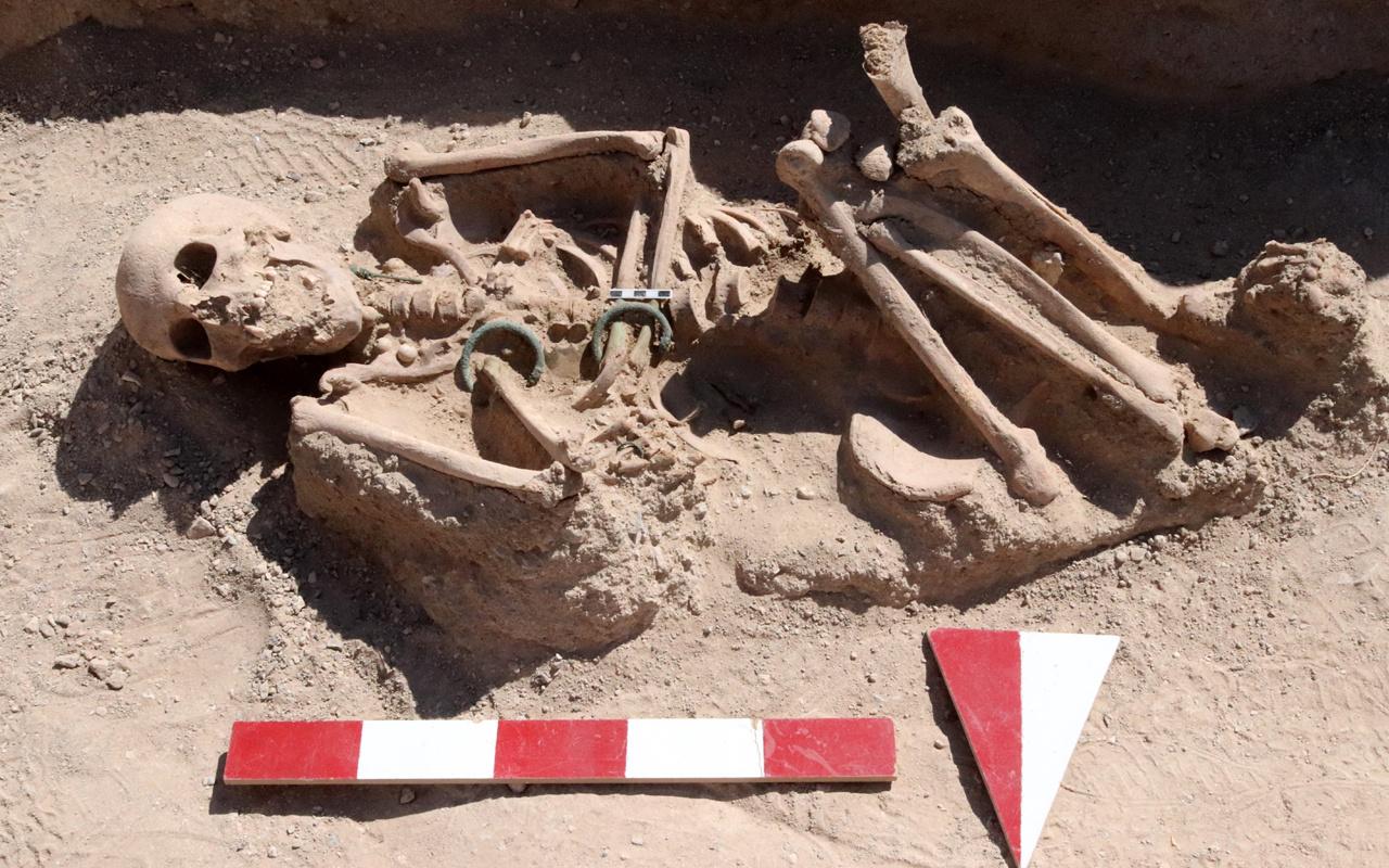 Kadın ve bebek iskeleti çıkmıştı! Van'da ölü gömme gizemi çözülüyor