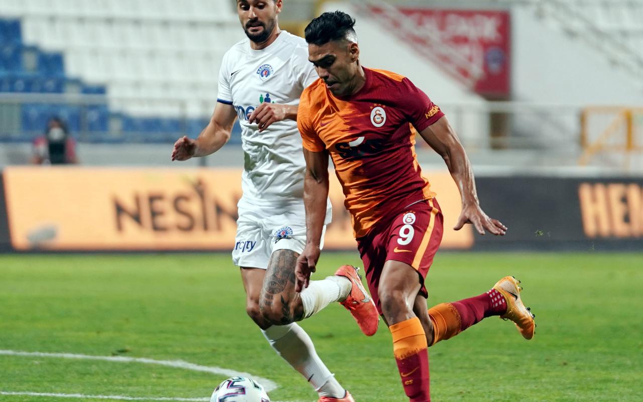 Yusuf Günay'dan Falcao için şok sözler: O golü halı sahada bile atarlar