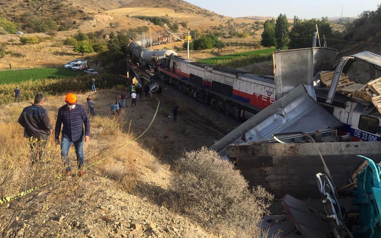 Son dakika Yozgat'ta 2 tren birbirine girdi kaza yerine çok sayıda ekip gönderildi