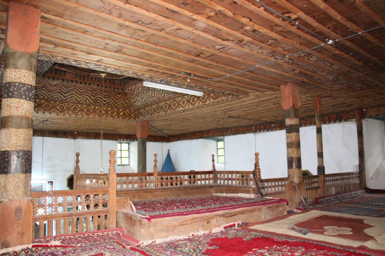 Erzurum'da tek bir çivi çakılmadan yapılan cami 354 yıldır ayakta