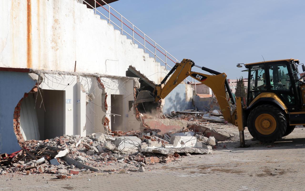 Bakan Kasapoğlu Edirne'de talimat vermişti! Yıkılıp yeniden yapılıyor