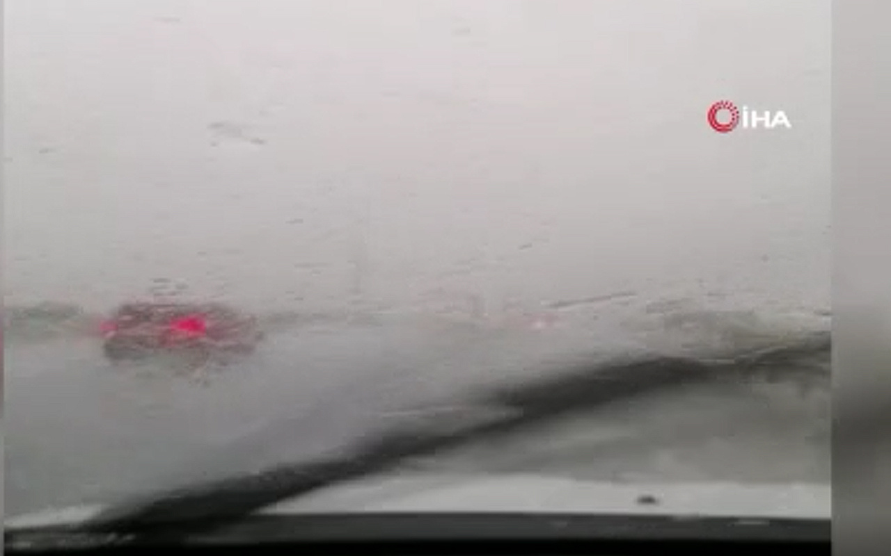 İzmir yağmura teslim oldu
