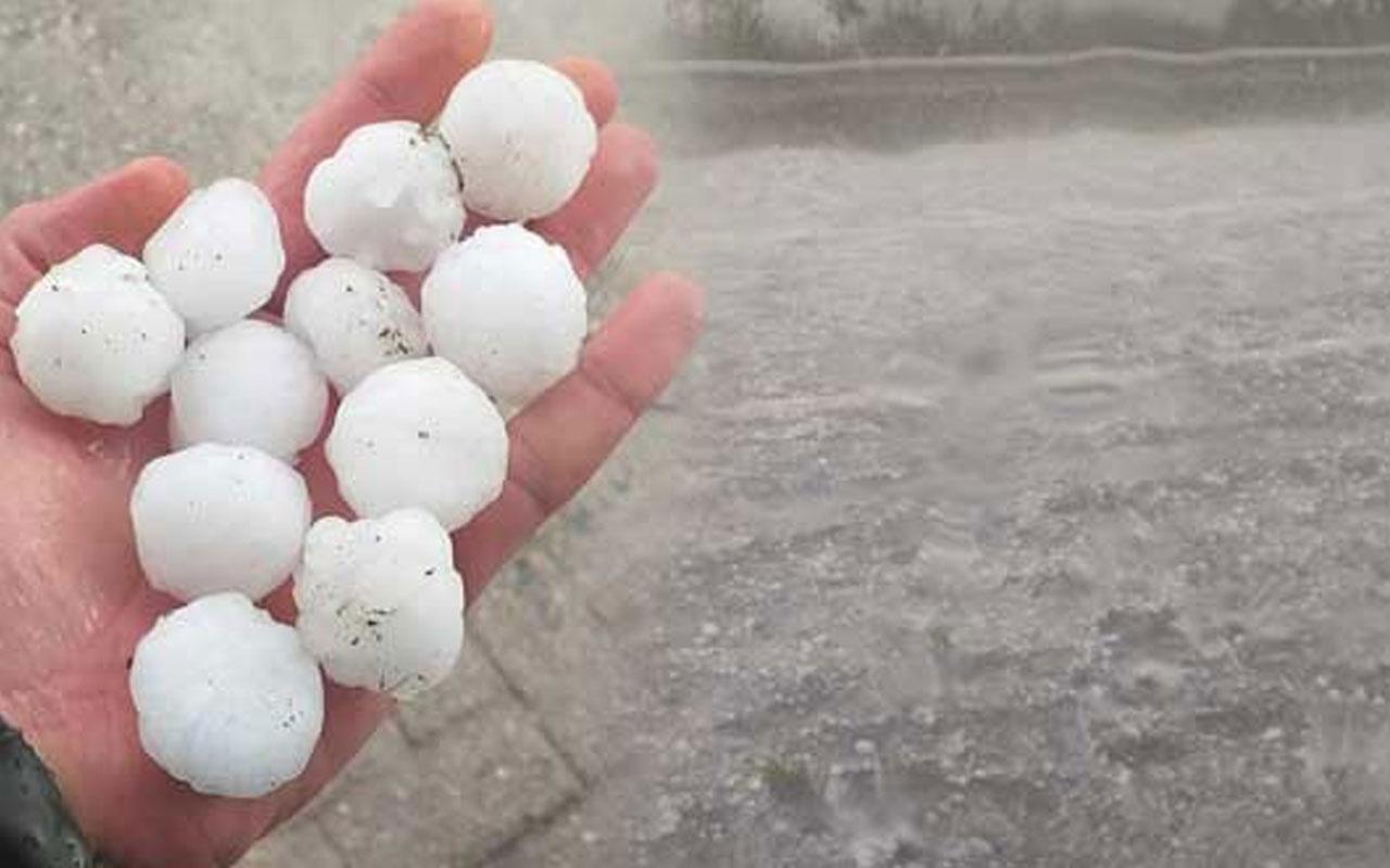 İzmir'i dolu ve sağanak yağış vurdu! Ceviz büyüklüğünde dolu yağdı