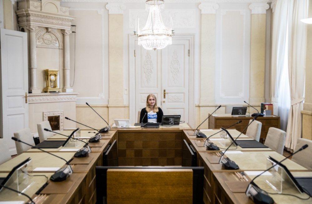 16 yaşındaki genç kız Finlandiya Başbakanı oldu! Genç başbakanın ilk işi bakın ne oldu