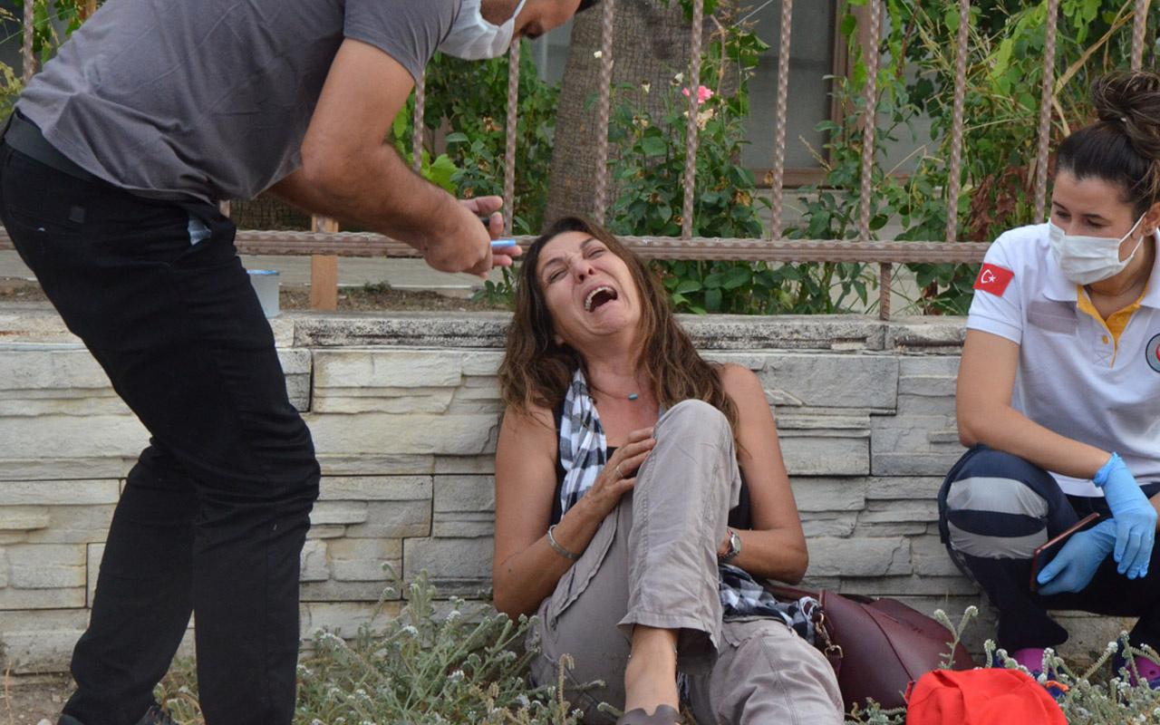 Emekli emniyet müdürü Antalya'da yolcu otobüsünde fenalaşarak öldü eşi feryat etti