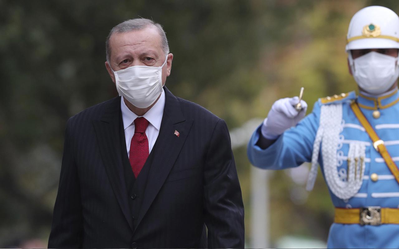 Fransız Le Monde yazdı: Erdoğan, ABD ve Rusya ile alay ediyor onlardan korkmuyor
