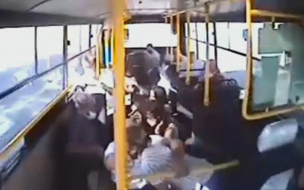 Kocaeli İzmit'te 7 kişinin yaralandığı kaza anı kamerada