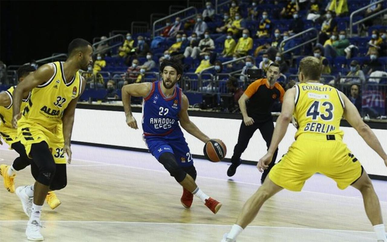 Anadolu Efes, THY Avrupa Ligi'nde ilk galibiyetini aldı