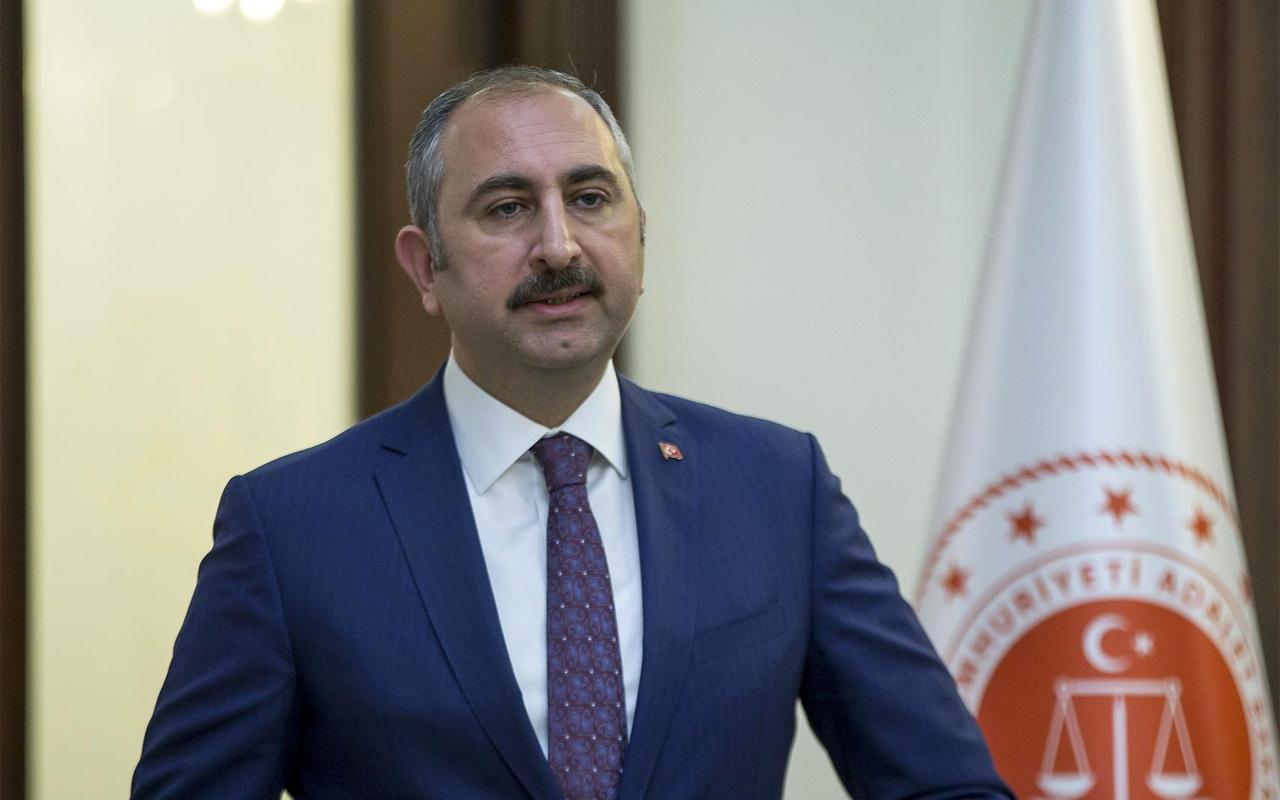 Adalet Bakanı Abdulhamit Gül'den AYM üyesi Yıldırım'ın 'Işıklar yanıyor' paylaşımına tepki