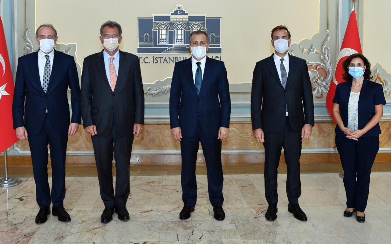 İstanbul Valisi Ali Yerlikaya ile TÜSİAD yetkililerinin koronavirüs toplantısı
