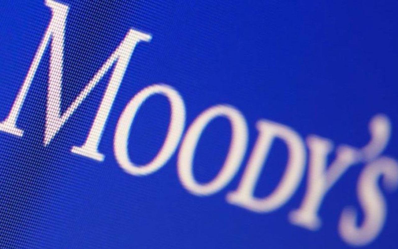 Moody's bu kez İngiltere'nin kredi notunu düşürdü!