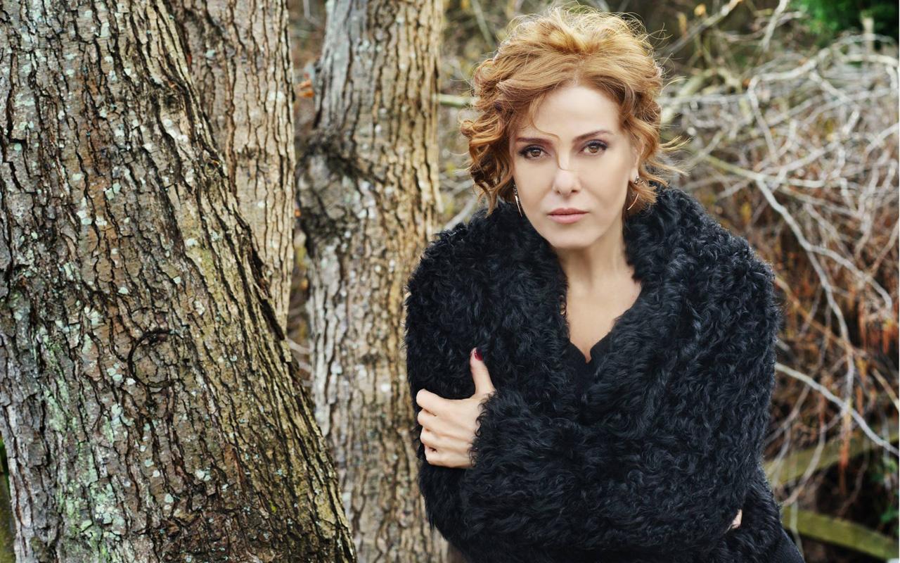 Zuhal Olcay Show TV Alev Alev dizisinin kadrosuna katıldı bakın hangi rolde