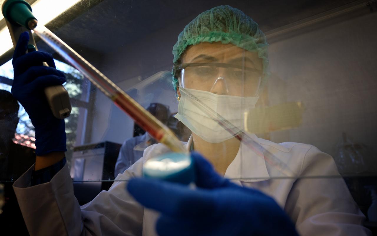 Ağız gargarası koronavirüsü önleyebilir mi? Uzmanlar uyardı