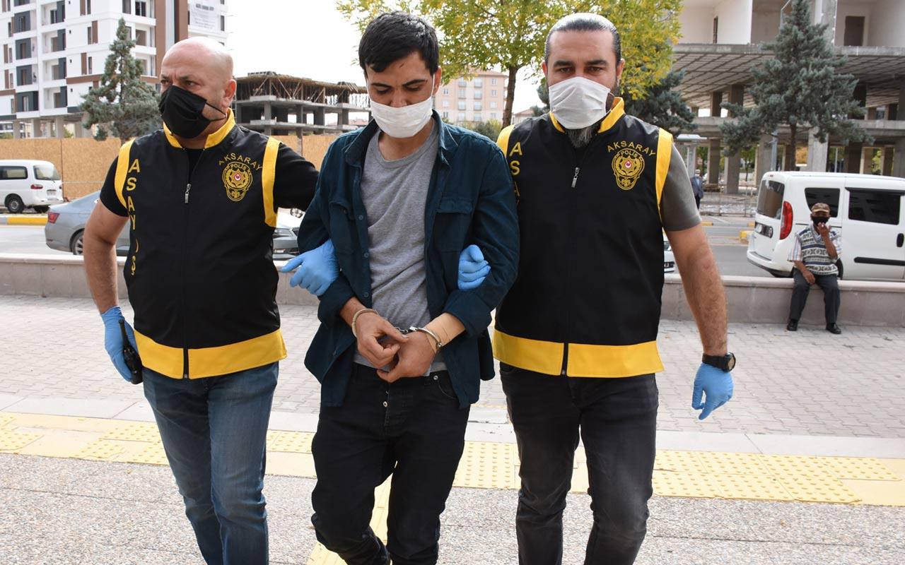 Aksaray'da korkunç olay! Polise kapıyı açıp babasını bıçaklamaya devam etti