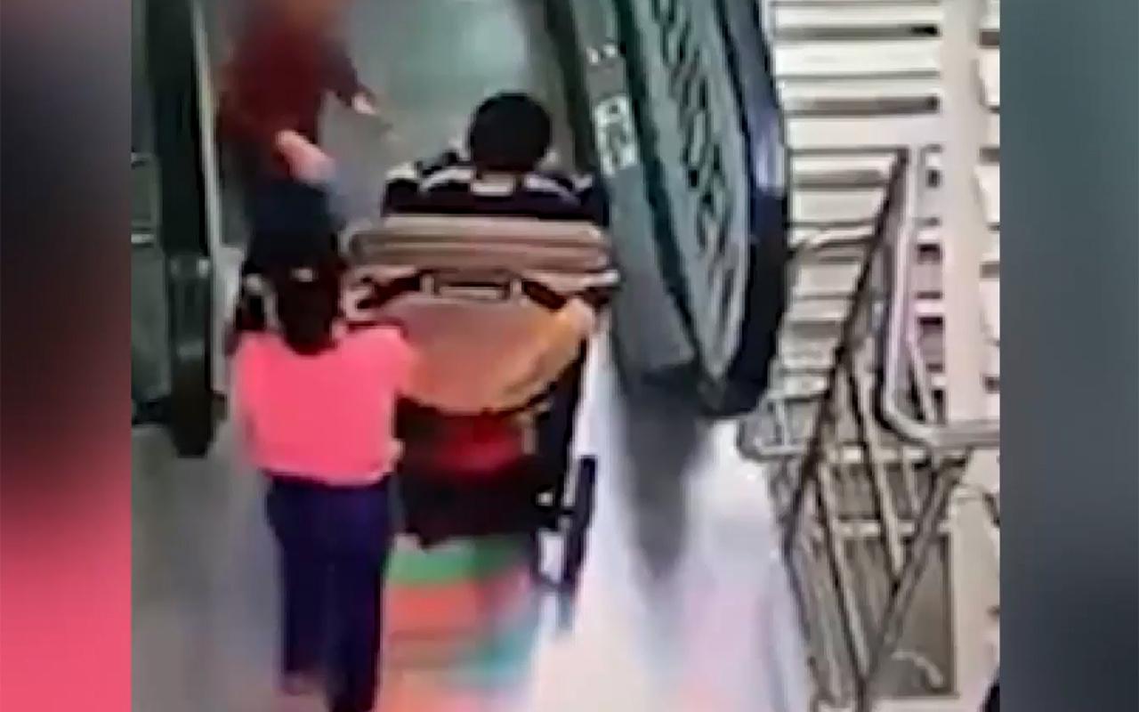 Rusya'da yürüyen merdivende korkunç kaza