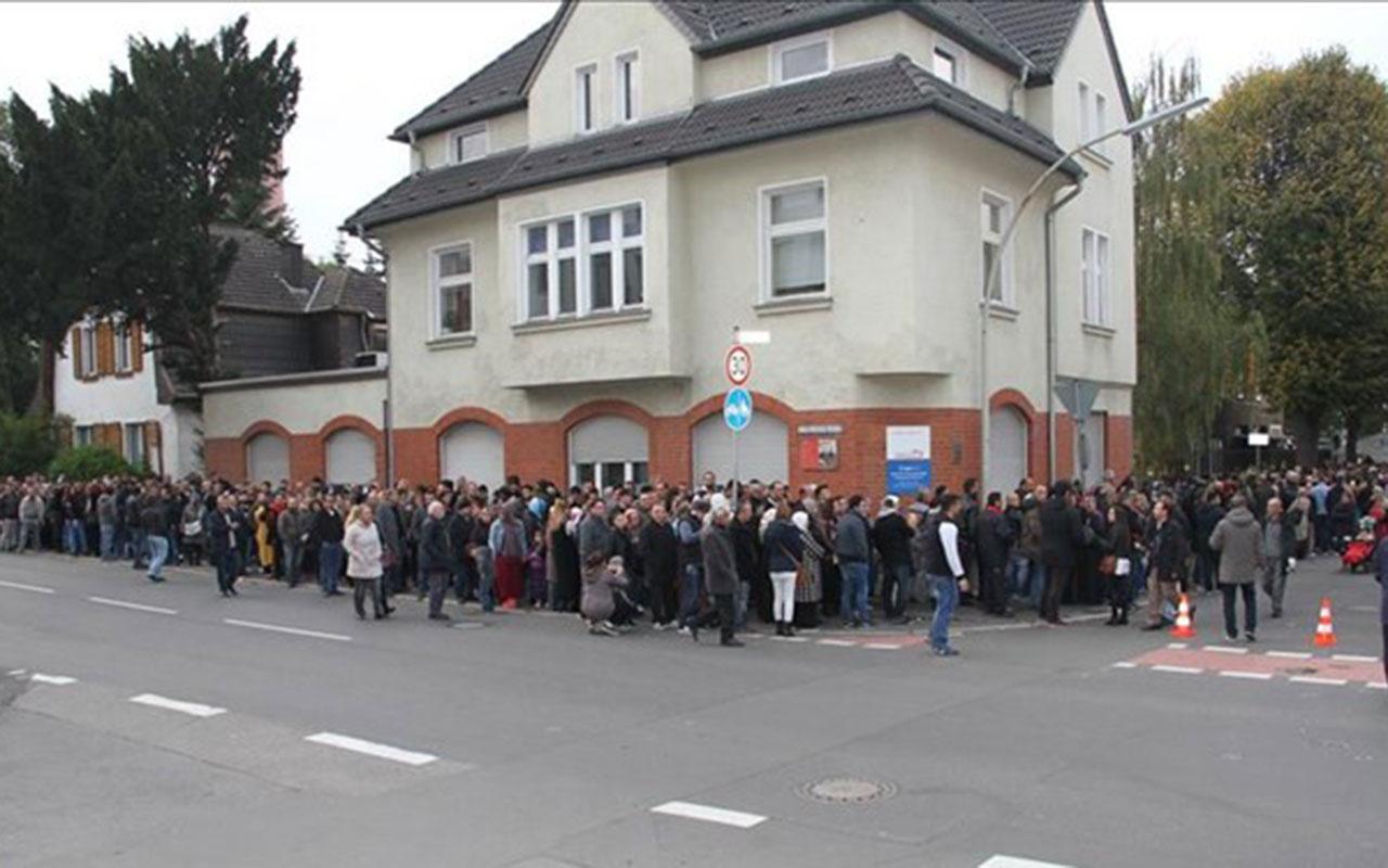 Köln Başkonsolosluğu'nda koronavirüs paniği! Personelde Covid-19 çıktı 30 Ekim'e kadar kapalı
