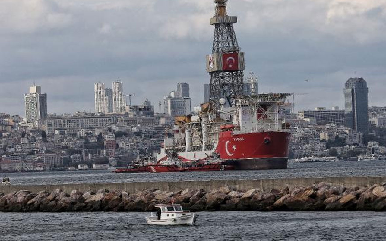 Karadeniz'e yola çıkacak! Kanuni sondaj gemisi Haydarpaşa Limanı'nda