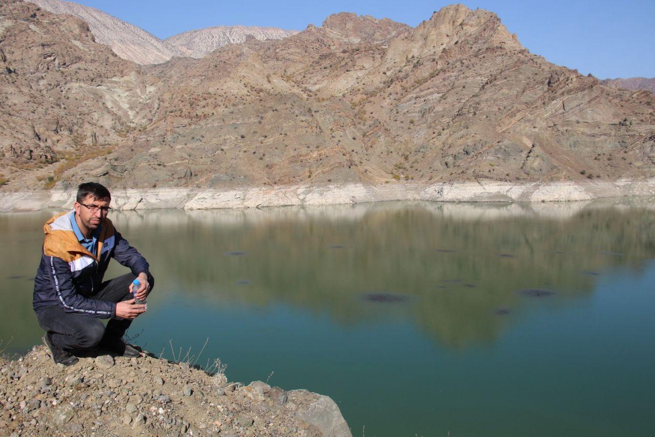 Erzurum'da baraj gölü yüzeyinde şaşırtan görüntü yetkililer numune aldı