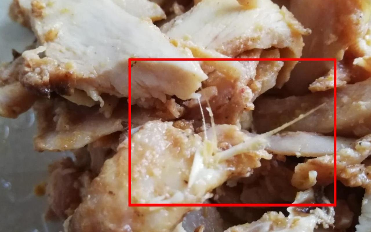 Bolu'da tavuk dönerden çıkan şey görenleri şok etti