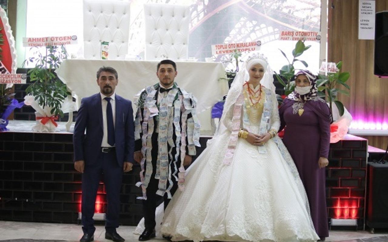Muş'ta şaşırtan görüntü! 1 saatlik aşiret düğününün 40 dakikası takı töreniyle geçti