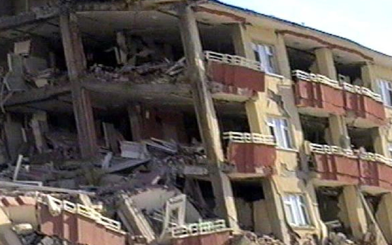 Van'daki depremin 9'uncu yılında yeni görüntüler ortaya çıktı
