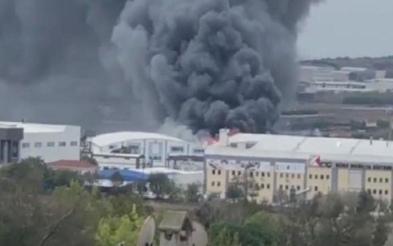 Silivri'de fabrika yangını! Dumanlar gökyüzünü kapladı