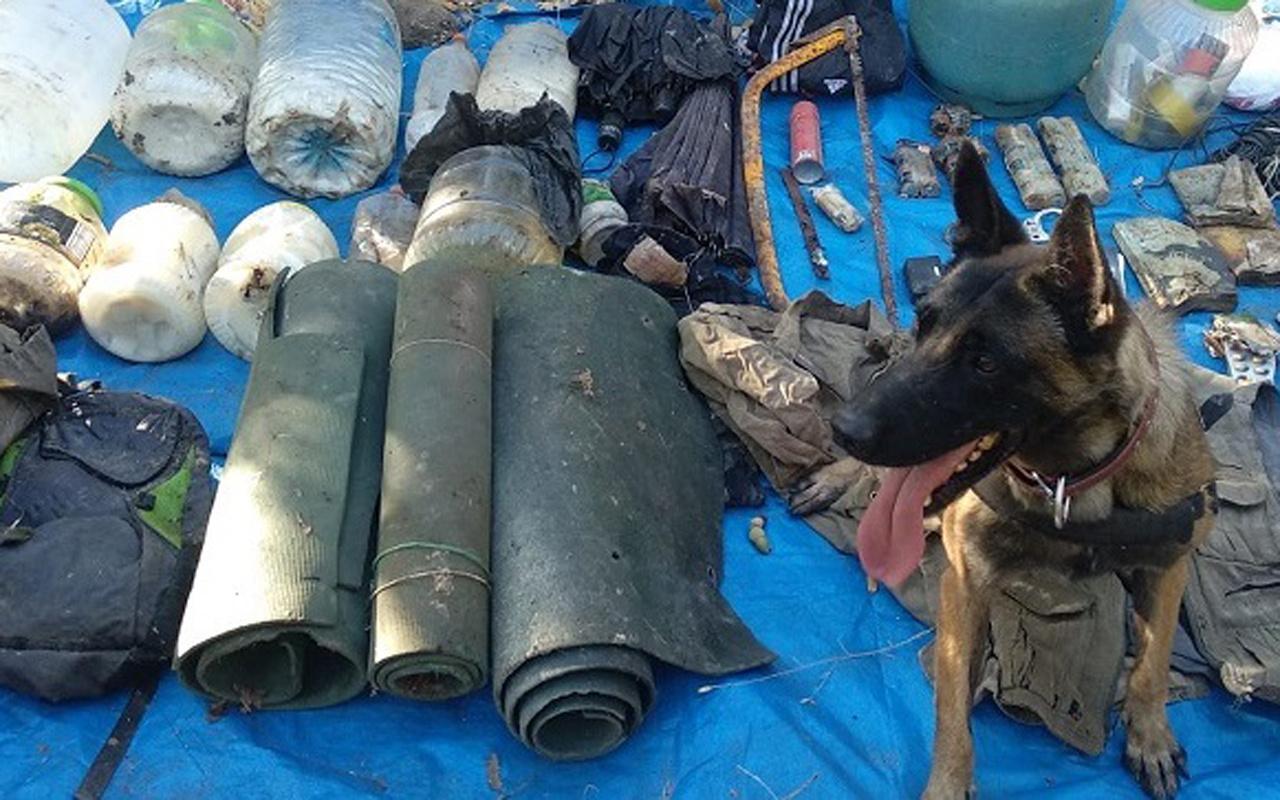 Tunceli'de teröristlerin patlayıcı düzeneklerinin bulunduğu 2 sığınak, kullanılamaz hale getirildi