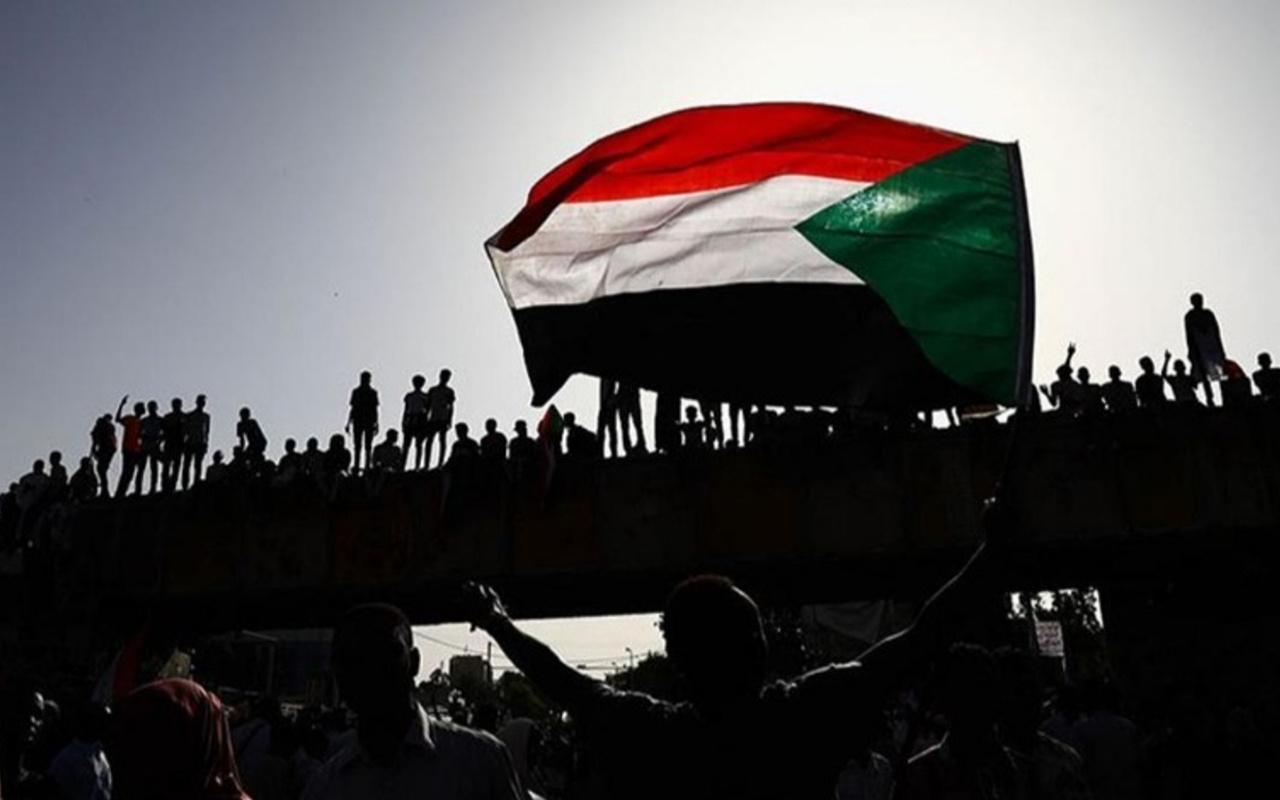 Sudan İsrail ile normalleşme kararı aldı ihanete bir ülke daha katıldı