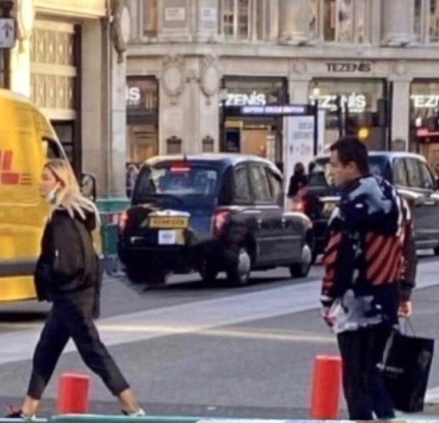 Acun Ilıcalı genç sevgilisi Ayça Çağla Altunkaya ile Londra'da böyle yakalandı