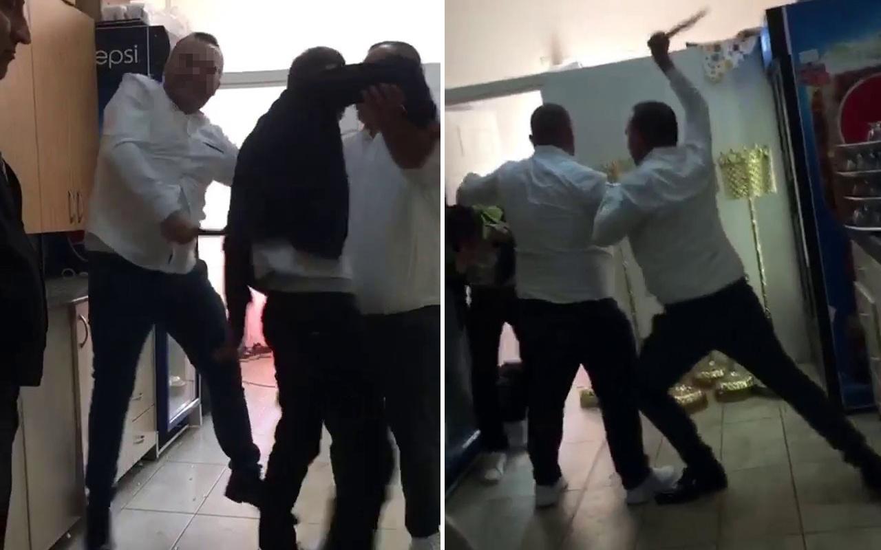 İstanbul'da bir kafede telefonla görüntü çeken tacizciyi sopalarla dövdüler
