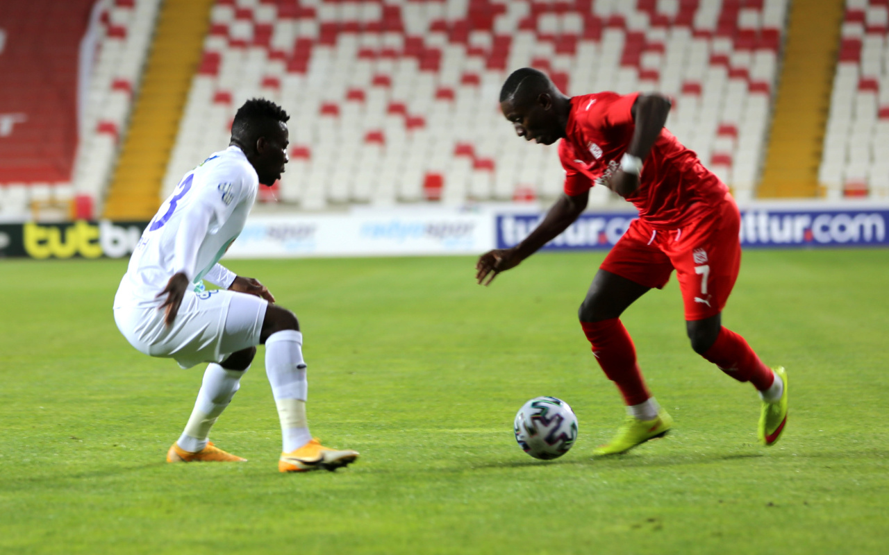 Sivasspor'u da geçen Çaykur Rizespor çıkışını sürdürdü