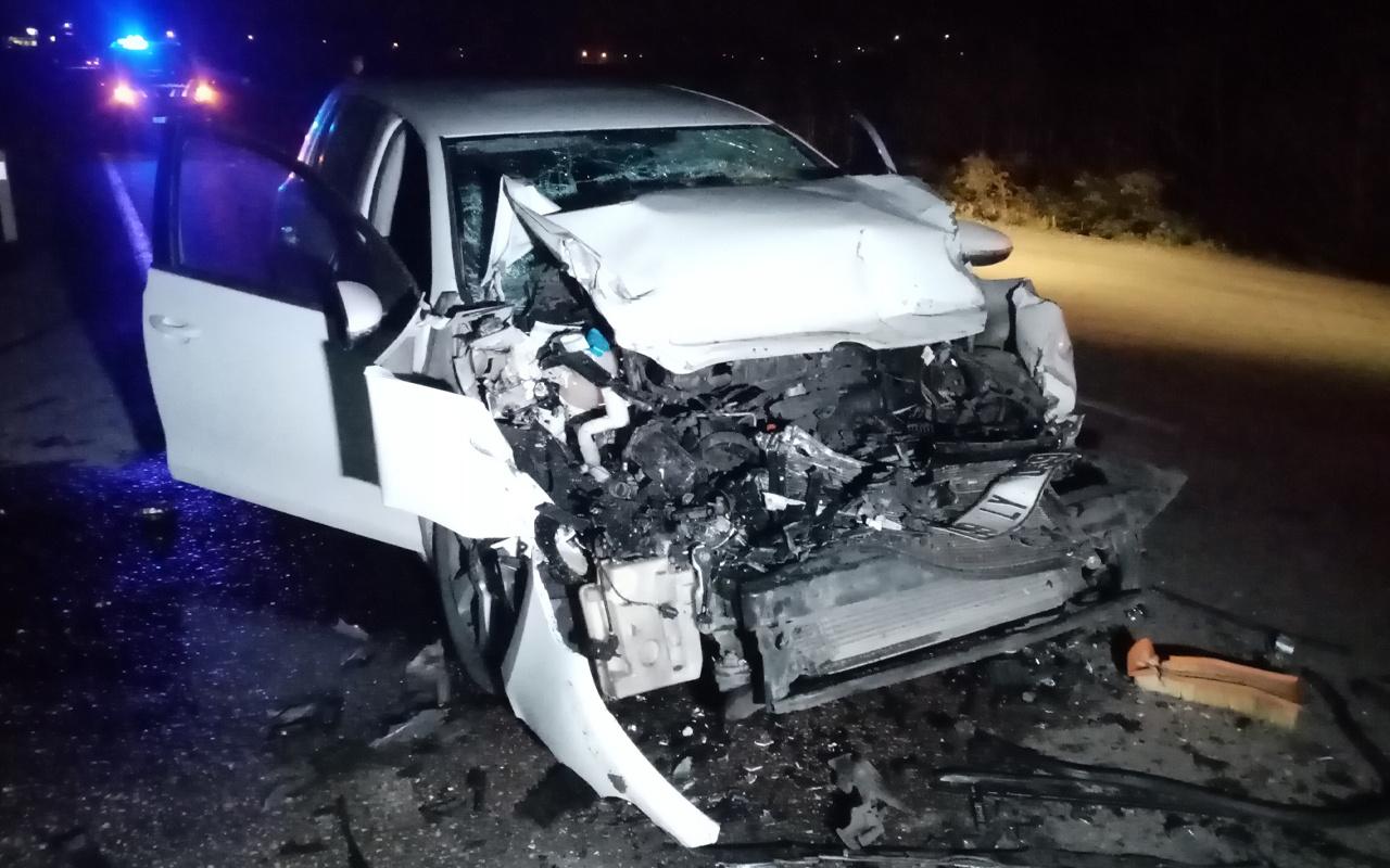 Tekirdağ'da feci kaza! Otomobil hurdaya döndü