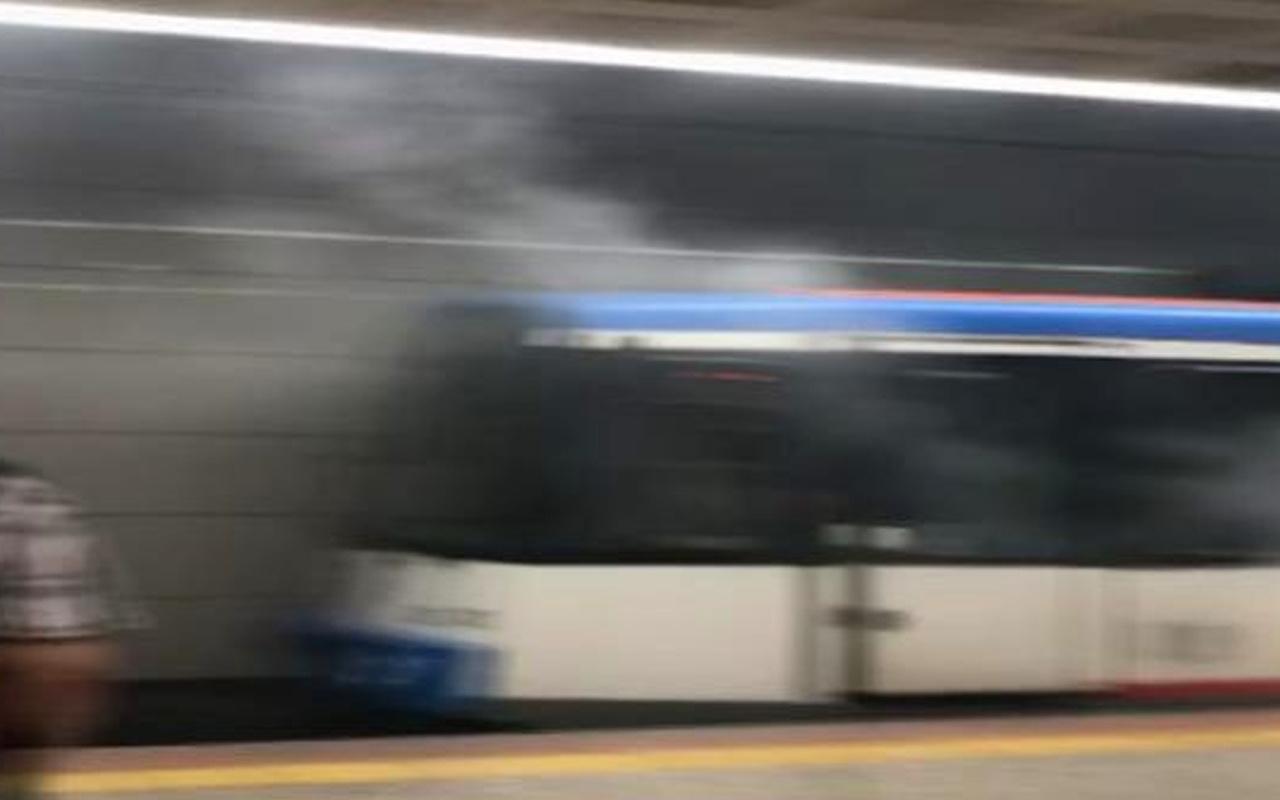 İstanbul'da panik anları! Tramvaydan dumanlar yükseldi