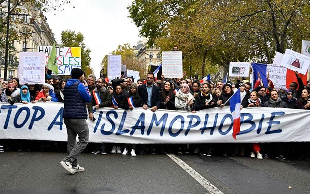 İslam dünyası, Hazreti Muhammed'e hakareti destekleyen Fransa'ya karşı tek ses oldu