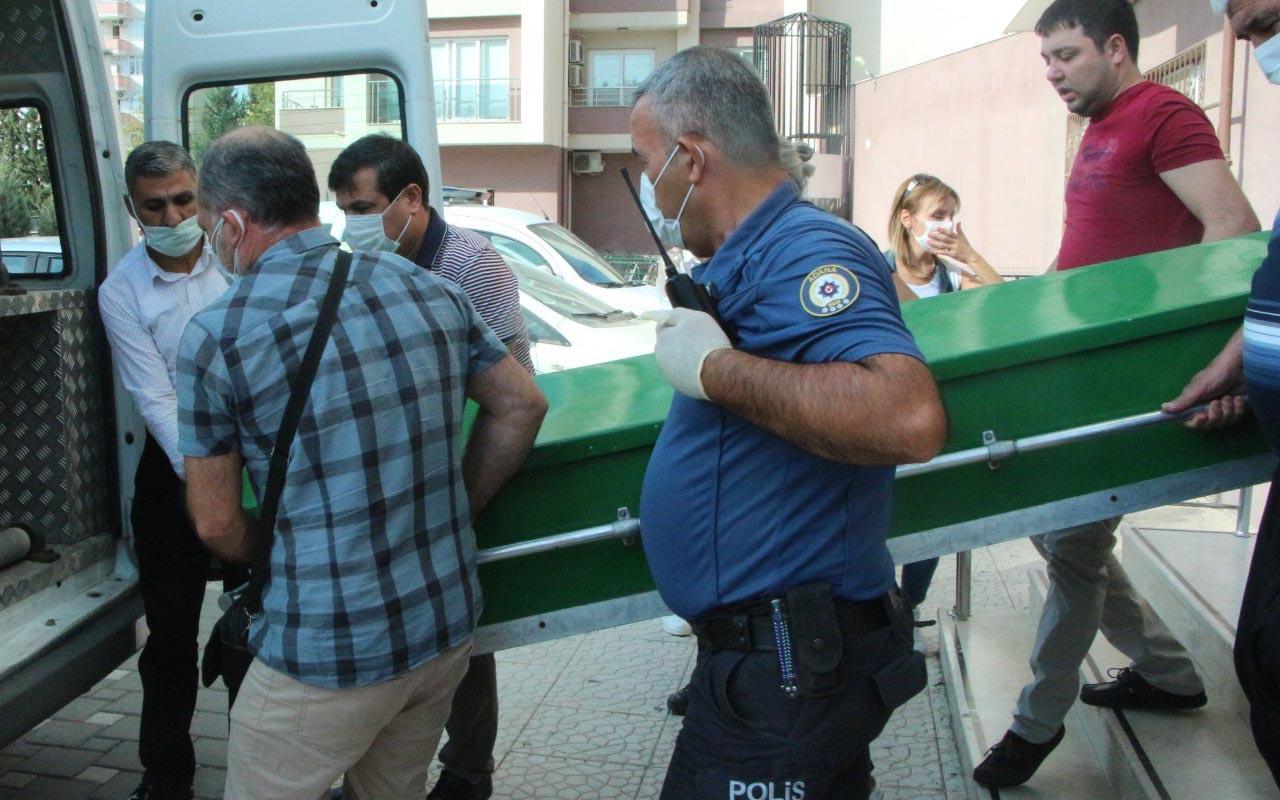 Adana'da uyandırmak için odaya giren annesi ölü buldu